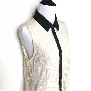 Monteau cream lace sleeveless button down